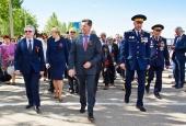 Тысячи астраханцев возложили цветы и венки к мемориалам Великой Отечественной войны