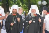 Казаки возложили венки к памятнику астраханским казакам-защитникам Отечества
