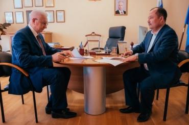 ASU Signs a Double-Degree MA Programme Agreement on Training Translators & Interpreters with an Uzbek University