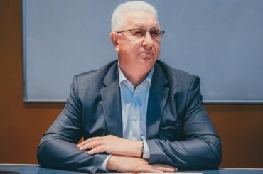 Ректор Астраханского госуниверситета записал новогоднее видеообращение