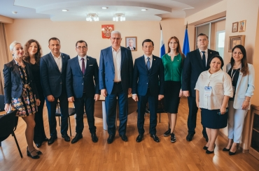 Uzbekistan is Interested in ASU Research Projects and Linguistic School