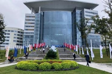 АГУ развивает партнёрские отношения с вузами страны на ВЭФ-2019